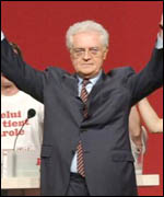 Lionel Jospin at a campaign meeting