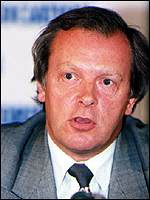 [ image: PFA chairman Gordon Taylor says Gazza has made the right decision]