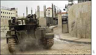 Israeli tank enters Yasser Arafat's compound in Ramallah