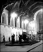 George VI lies in state in 1952