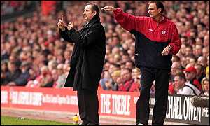 Gerard Houllier and Phil Thomspon also won November's award