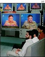 Pakistanis watch Musharraf speech on TV