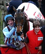 Jim Culloty with Best Mate after the Gold Cup win
