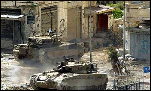 Israeli tanks in Nablus