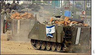 Israeli tanks enter the West Bank town of Nablus