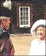 Major Spoore and the Queen Mother