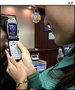 3G phones being demonstrated in Japan