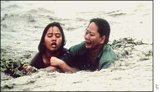 Filipinos struggling in water
