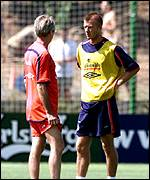 England Captain Beckham may not be fit in time for the World Cup due to a broken foot