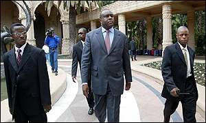Jean-Pierre Bemba of the MLC (centre) with his bodyguards in Sun City