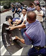 Anti-US troop protests in Manila