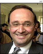 http://news.bbc.co.uk/olmedia/1940000/images/_1944715_hollande_ap_150.jpg