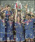 France lift the European Championship in 2000