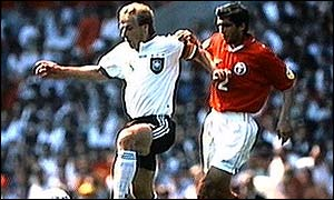 Tetradze tussles with Juergen Klinsmann at Euro 96