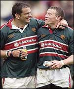 Martin Johnson congratulates Tim Stimpson on his match-winning kick