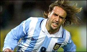Gabriel Batistuta playing football for Argentina