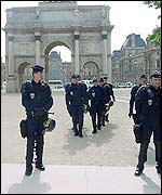 Police around the Louvre