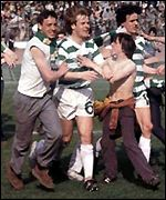Murdo is mobbed by celebrating fans