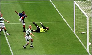 Rod Wallace's strike seals the 1999 cup final