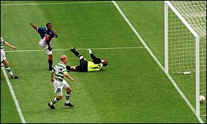 Rod Wallace scores the winner in the 1999 Cup final