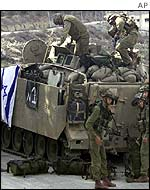 Israeli soldiers pull out of Nablus