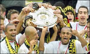 Dortmund raise the Bundesliga trophy