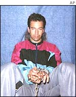 Daniel Pearl shackled in captivity