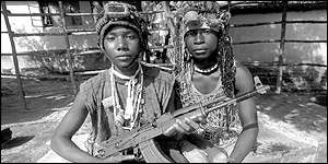Child soldiers from the Kamajor militia (UNICEF/Pirozzi)
