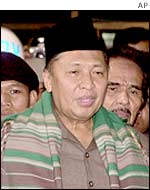 Indonesian Vice President Hamzah Haz after visiting Jafar Umar Thalib, at police headquarters