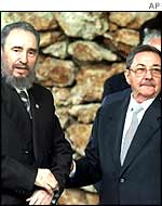 Fidel Casto [left] with his brother Raul