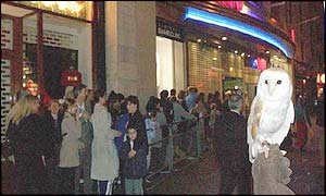 Queues outside HMV, Oxford Street, London, for the new Harry Potter DVD which went on sale at midnight on Friday May 10 2002