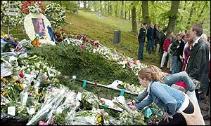 flowers are laid at the grave of Pim Fortuyn