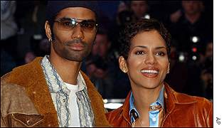 Oscar-winner Halle Berry and her husband Eric Benet were cheered by the crowd