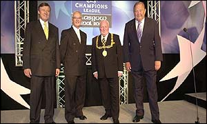 Glasgow's Lord Provost (sec. right) meets Uefa officials