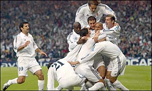 Real Madrid celebrate after Raul gives them a 1-0 lead at Hampden Park