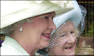 Queen and Queen Mother greet well wishers at Sandringham in July 2001