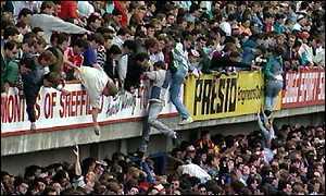 Pour ceux qui sont passés au Staccato après le match hier... _210929_hillsborough,.300.09-11-98