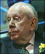 [ image: Sir Malcolm Arnold: Paying close attention]