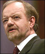 [ image: Robin Cook met with George Robertson and the prime minister to discuss Kosovo]
