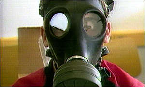 http://news.bbc.co.uk/olmedia/255000/images/_259222_gasmask300.jpg