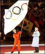 [ image: 1998: Salt Lake's mayor takes the Olympic flag from Nagano, Japan]