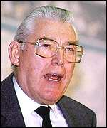 [ image: Ian Paisley: Says he would name terrorists in Commons again]