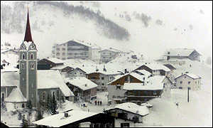 [ image: The resort town of Galtuer after the avalanche]
