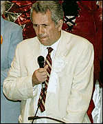 [ image: Martin Bell overturned a 22,000 Tory majority to win the seat in 1997]