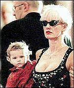 [ image: Paula Yates and daughter Heavenly Hiraani Tiger Lily]