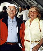 [ image: Ernie and Doreen Wise, photographed in Florida in November 1998]