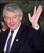 [ image: A special deal for Dutch Prime Minister Wim Kok translates into a 1bn euro cut in net contributions]