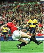 [ image: Roy Keane scores his disallowed goal]