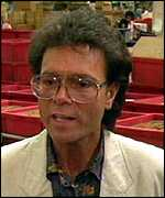 [ image: Sir Cliff Richard: women's ideal drinking partner]