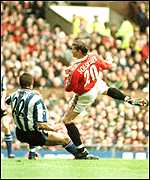 [ image: Solskjaer beats Thome and hooks home the first goal]